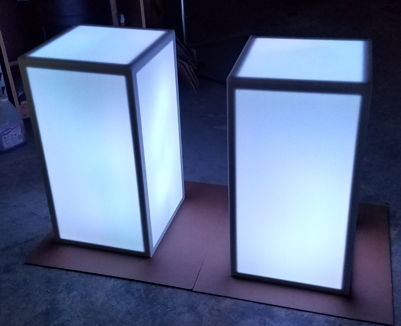 15 X 15 X 30 Light Up Led Column